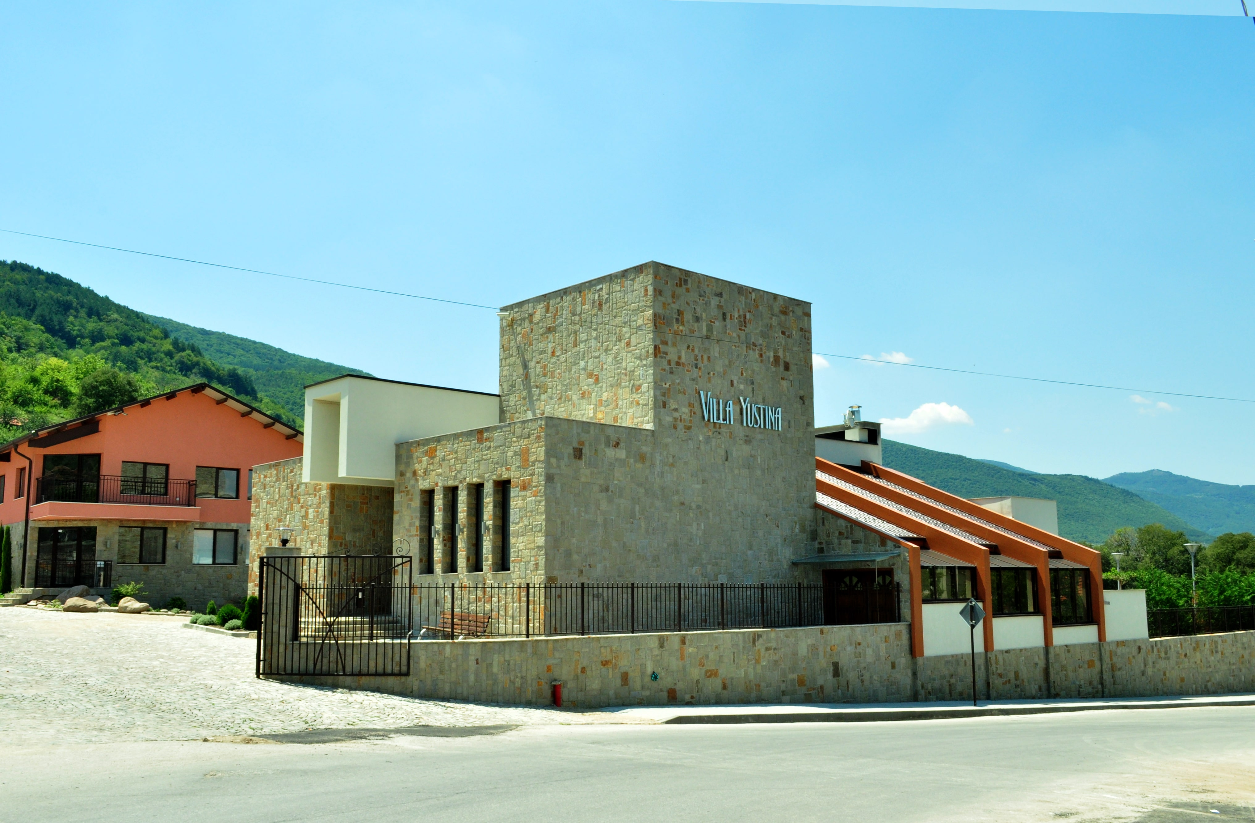 винен тур от Бургас и Варна